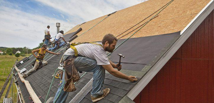 Jak montować panele dachowe narąbek?